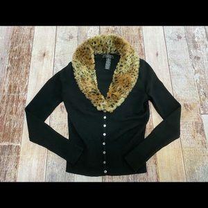 Sarah Spencer Petites cheetah collar sweater PM
